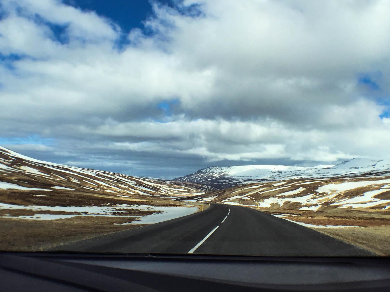 Driving-Through-Iceland