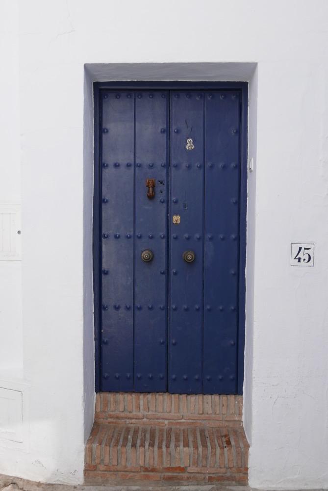 frigiliana-blue-door-4