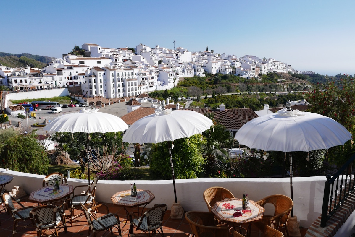 frigiliana-umbrellas-cafe-view