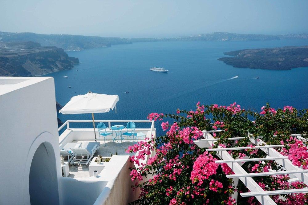 Girls Getaway To Santorini