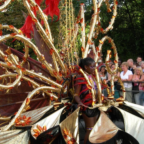 10 WAYS TO SURVIVE THE NOTTING HILL CARNIVAL