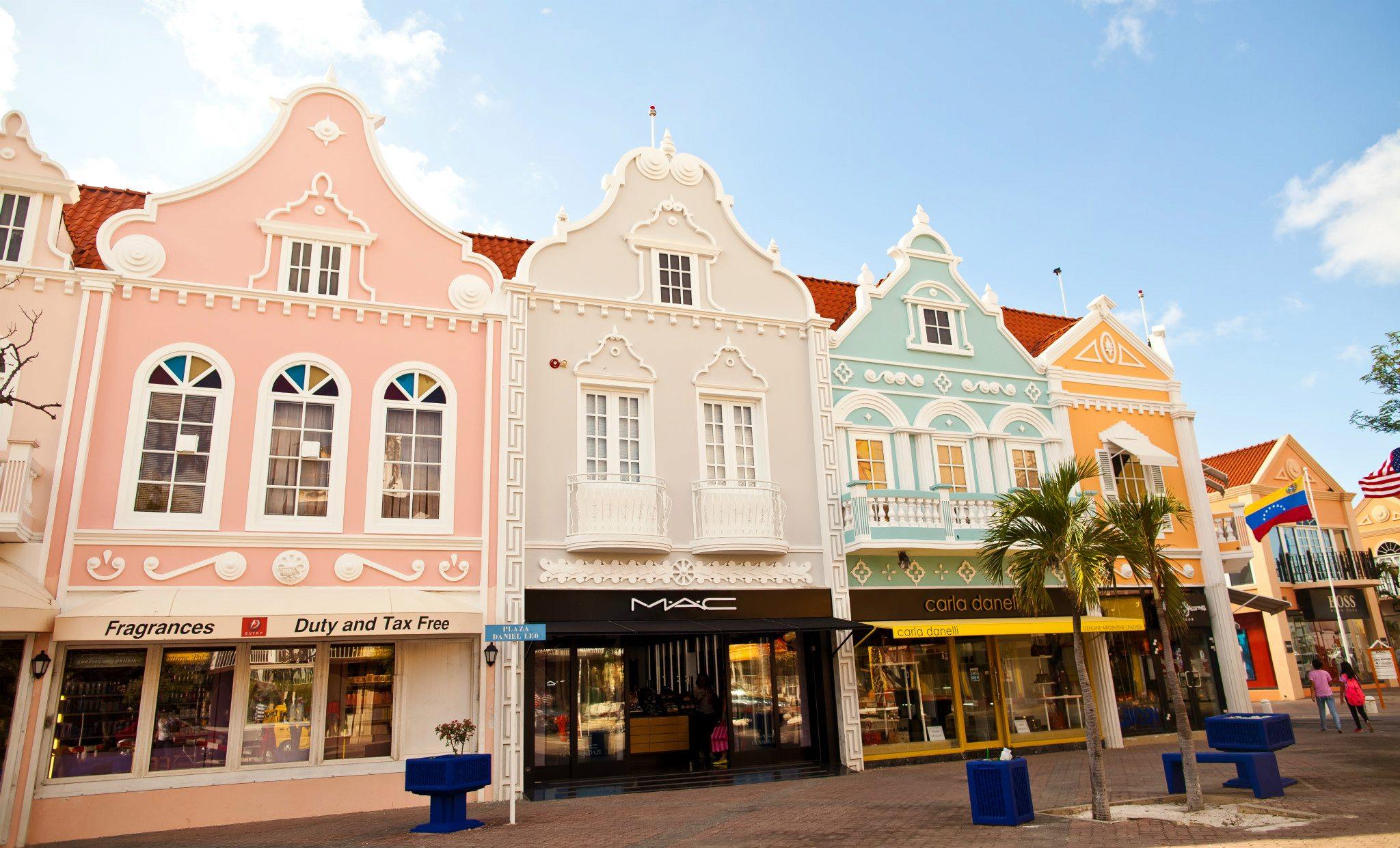 oranjestad-pastel-houses