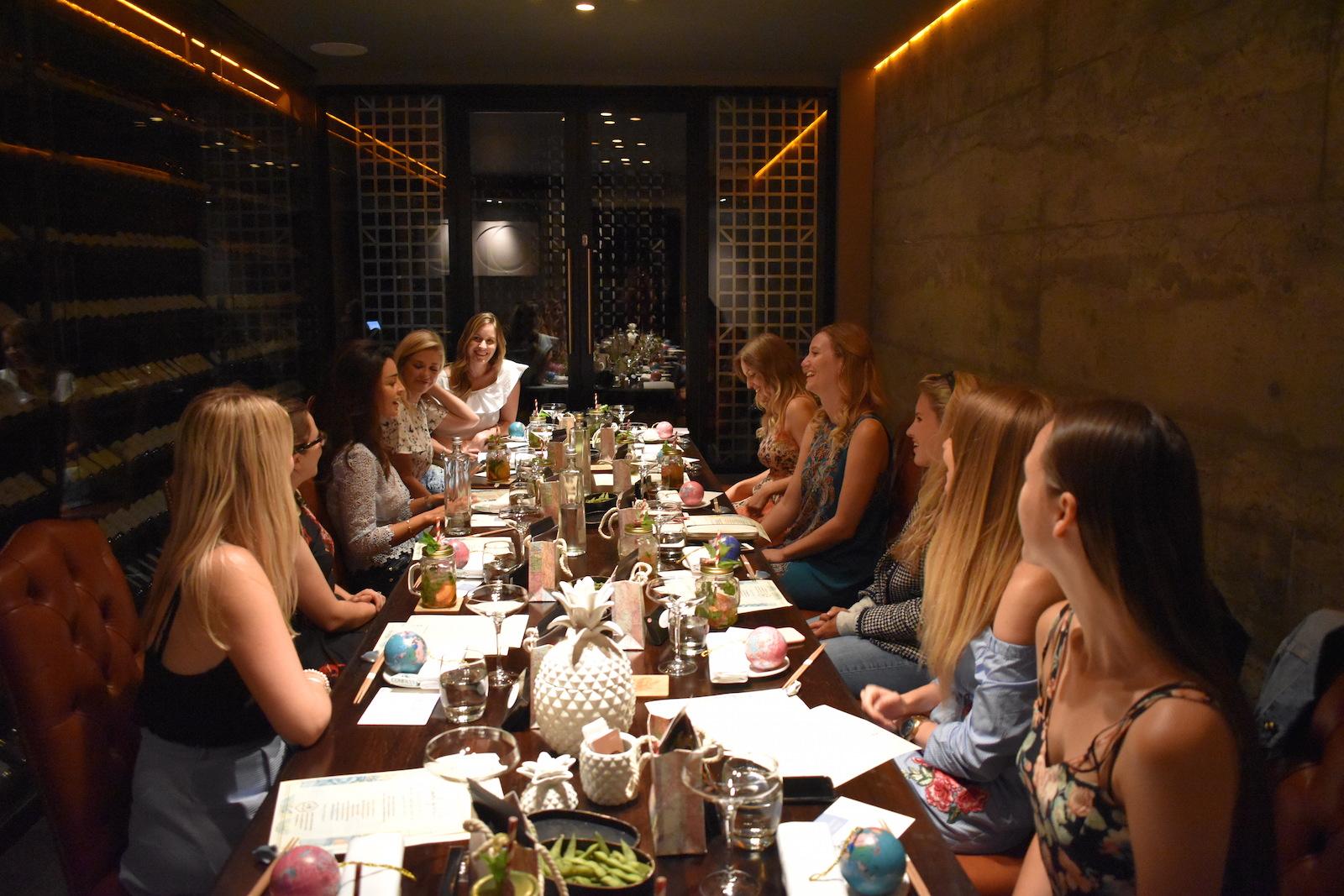we-are-travel-girls-yashin-london-32