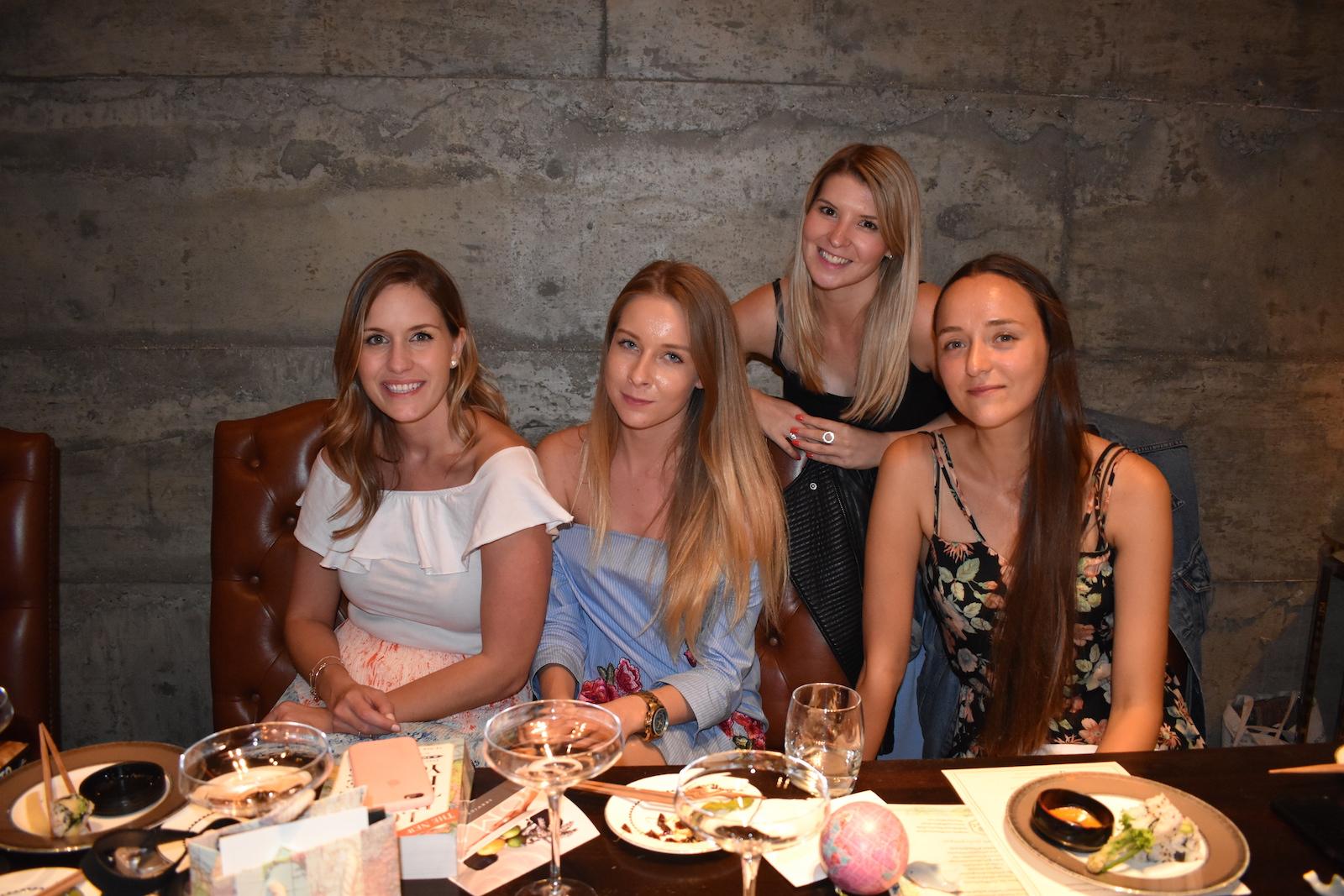 we-are-travel-girls-yashin-london-45