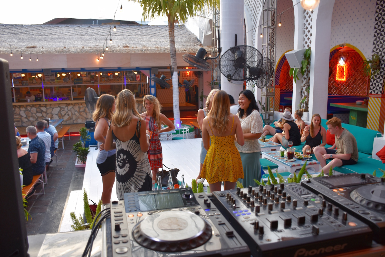 motel-mexicola-we-are-travel-girls-bali-event-16