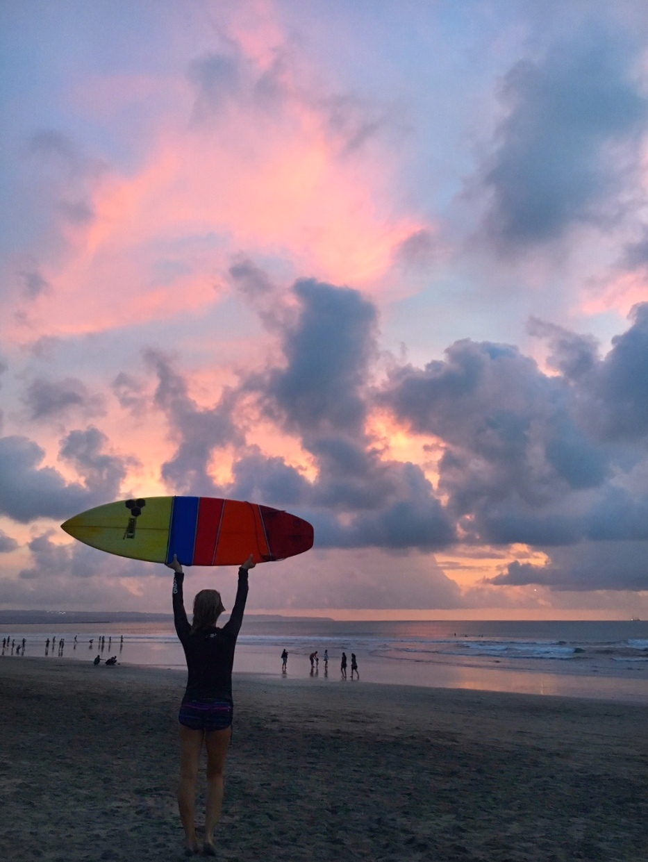 vanessa-rivers-bali-surf