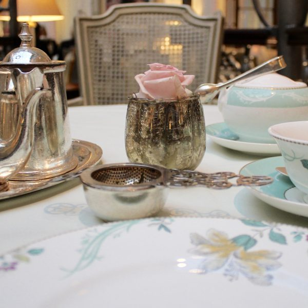THE LONDON AFTERNOON TEA EXPERIENCE
