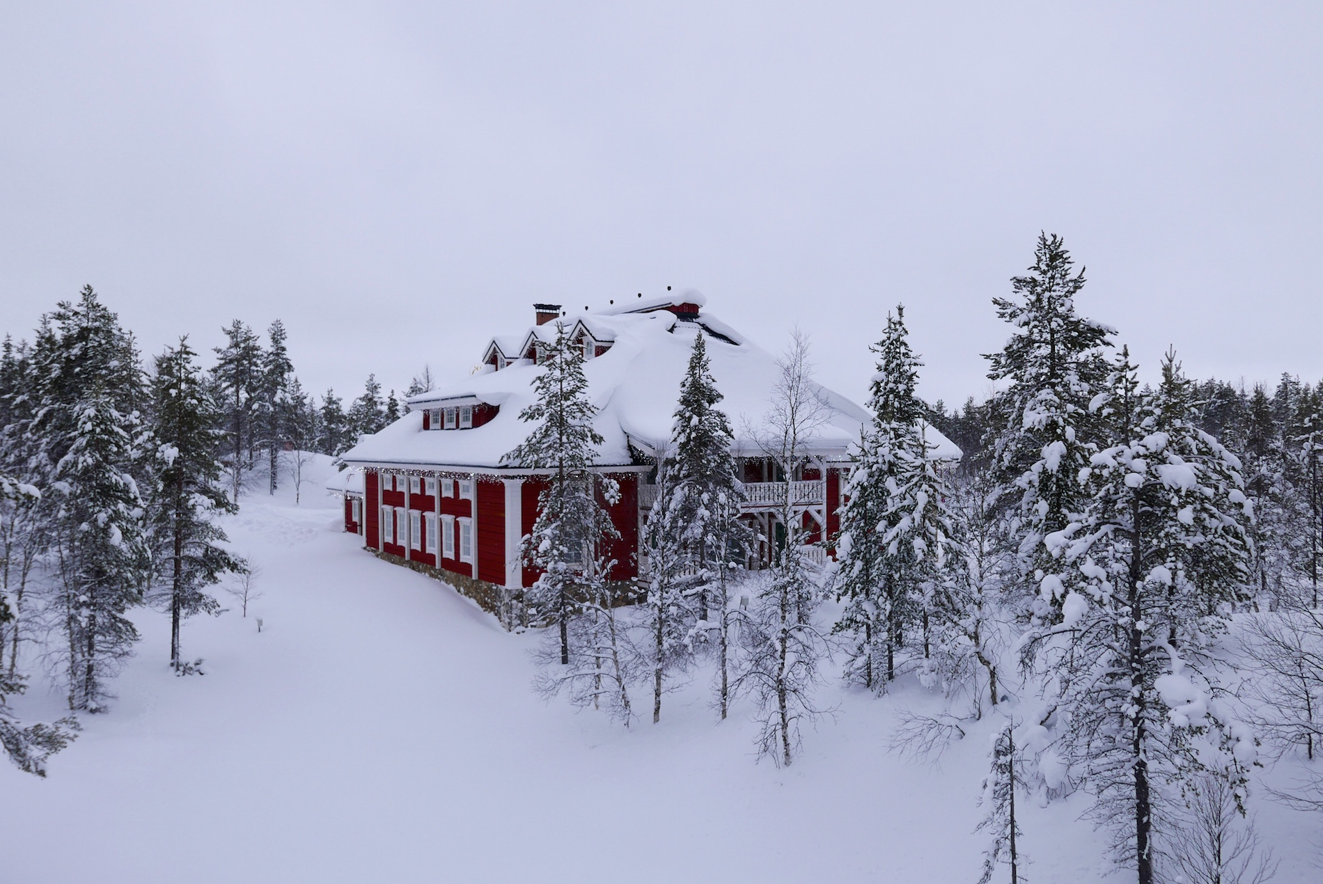 kakslauttanen-resort-igloo-lapland-27