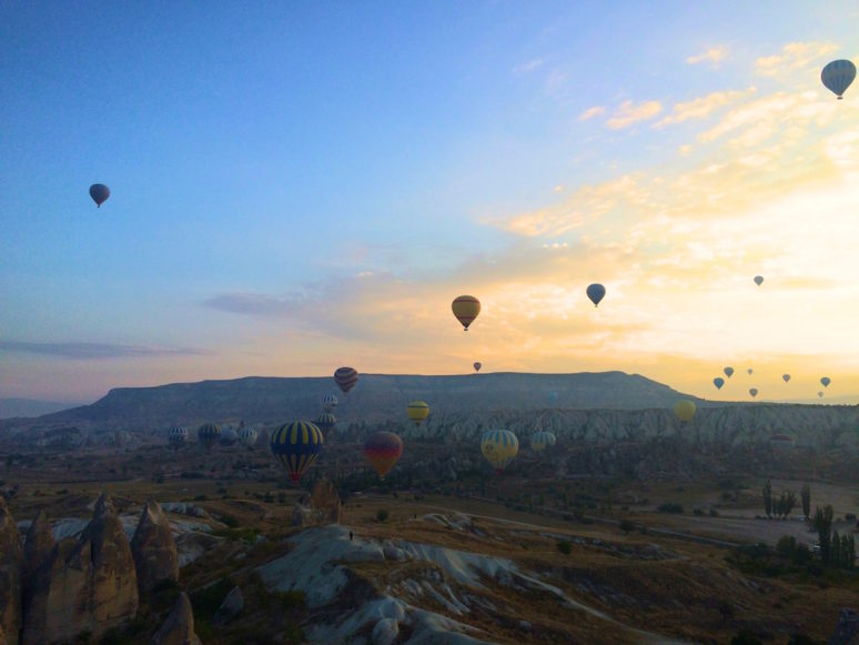 balloons-from-sunset-point
