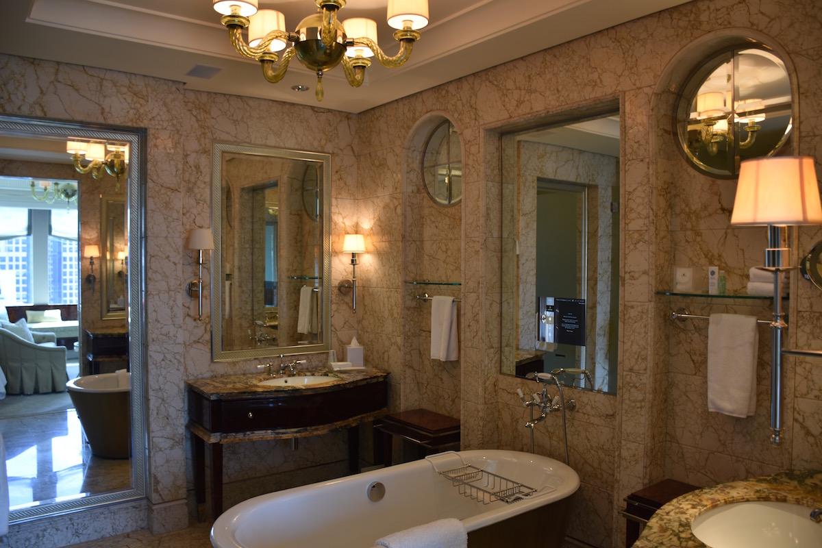 st-regis-singapore-luxury-hotel-review-4