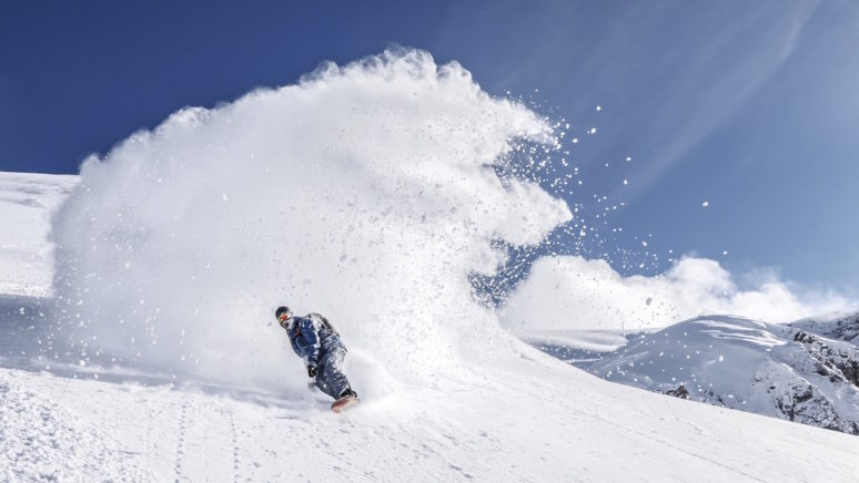 snowboarding-powder