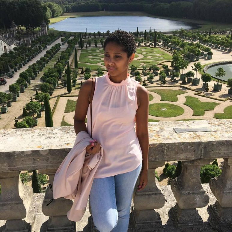 LADIES WE LOVE MAXINE OUTERBRIDGE OF BUNGEE GIRL max at versailles