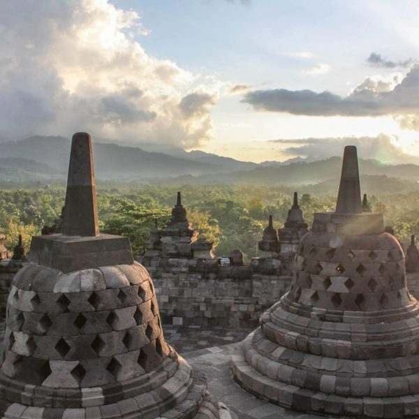 5 PLACES TO SEE IN YOGYAKARTA, INDONESIA