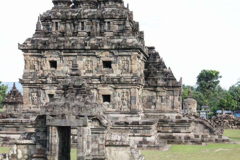 5 Places to see in Yogyakarta, Indonesia 5Plaosan-Yogyakarta-Indonesia