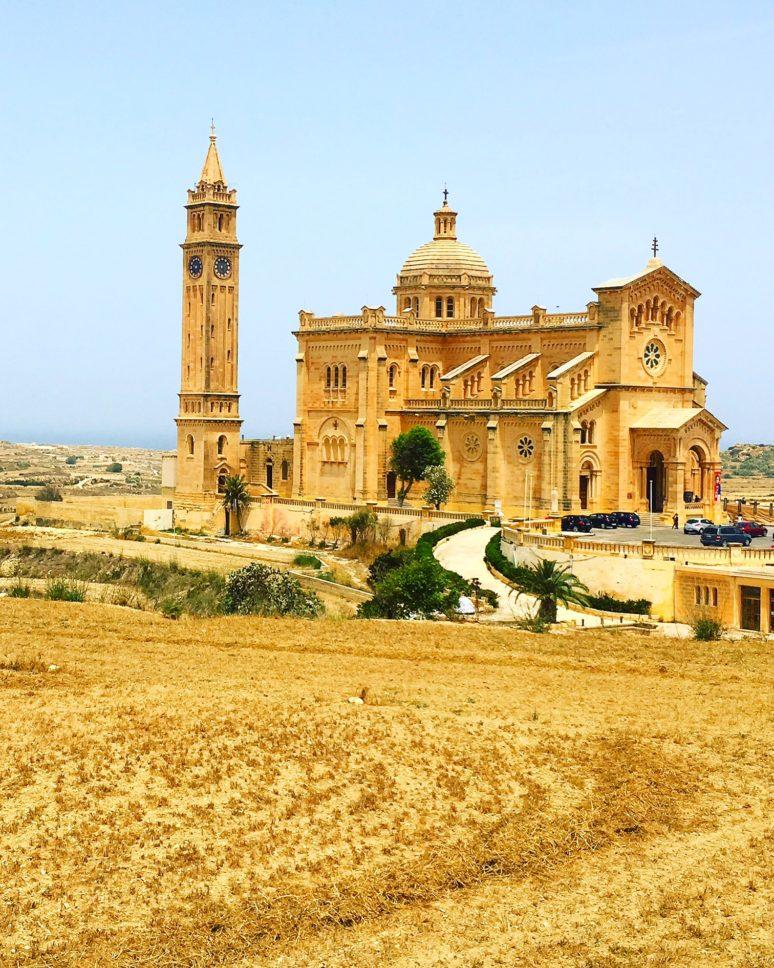 MALTA- 10 PLACES TO EXPLORE IN THE MALTESE ARCHIPELAGO Gozo_Basilica_Malta