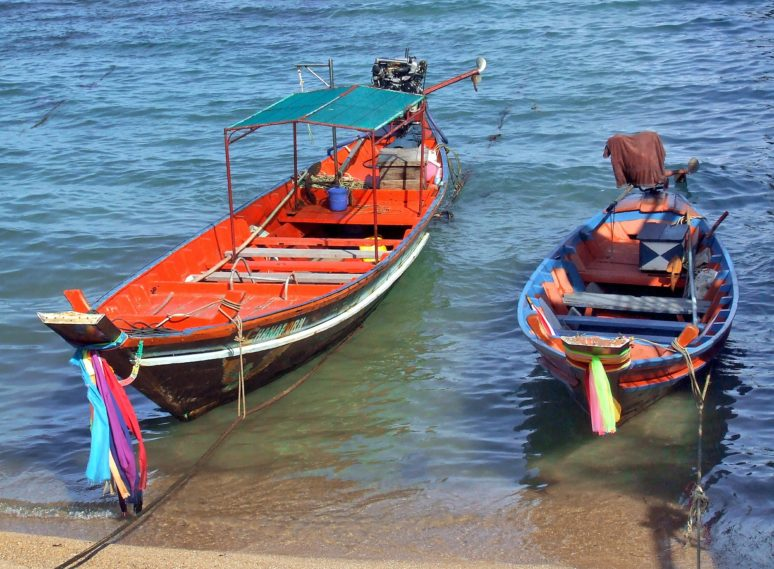 6 MUST SEE SPOTS IN KOH TAO, THAILAND boats