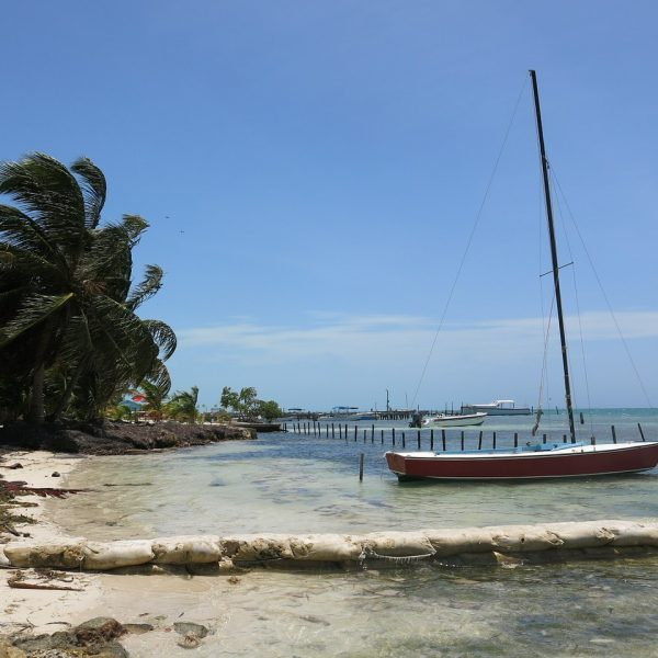 QUICK GUIDE TO CAYE CAULKER, BELIZE
