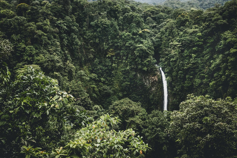 A COMPLETE GUIDE TO SPRING BREAK IN COSTA RICA