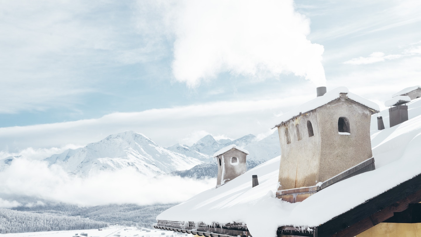 8 TIPS FOR TRAVELING THE SWISS ALPS ON A BUDGET