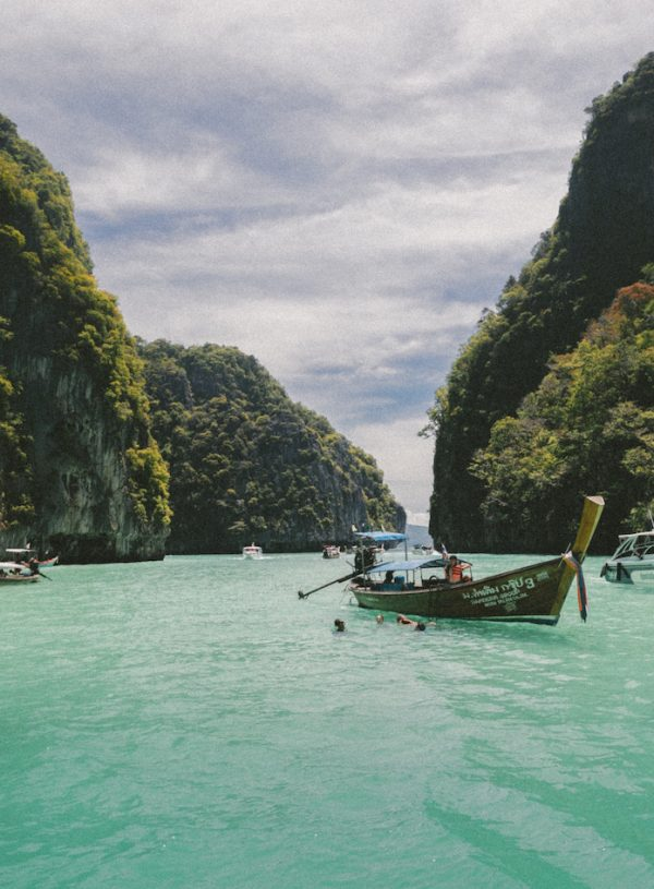 HOW TO EXPERIENCE HALONG BAY FOR $12