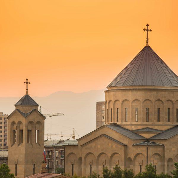 6 THINGS TO DO IN YEREVAN, ARMENIA
