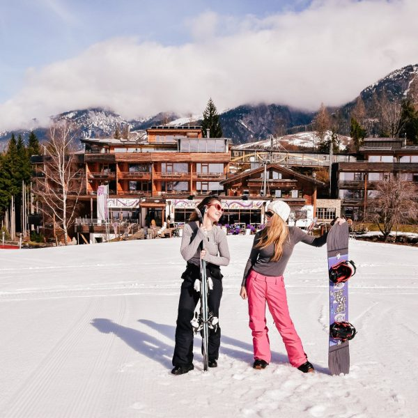 PACKING GUIDES: WHAT TO PACK FOR A SKI TRIP