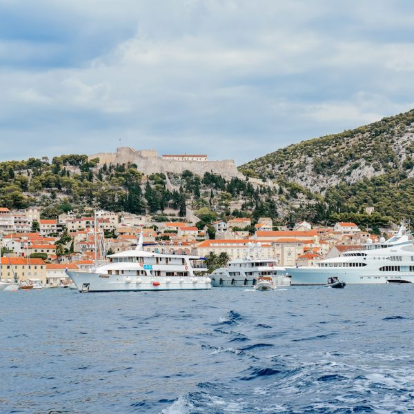A QUICK GUIDE TO HVAR