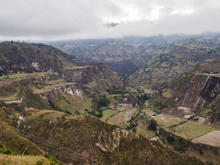 How To Solo Hike The Quilotoa Loop In Ecuador