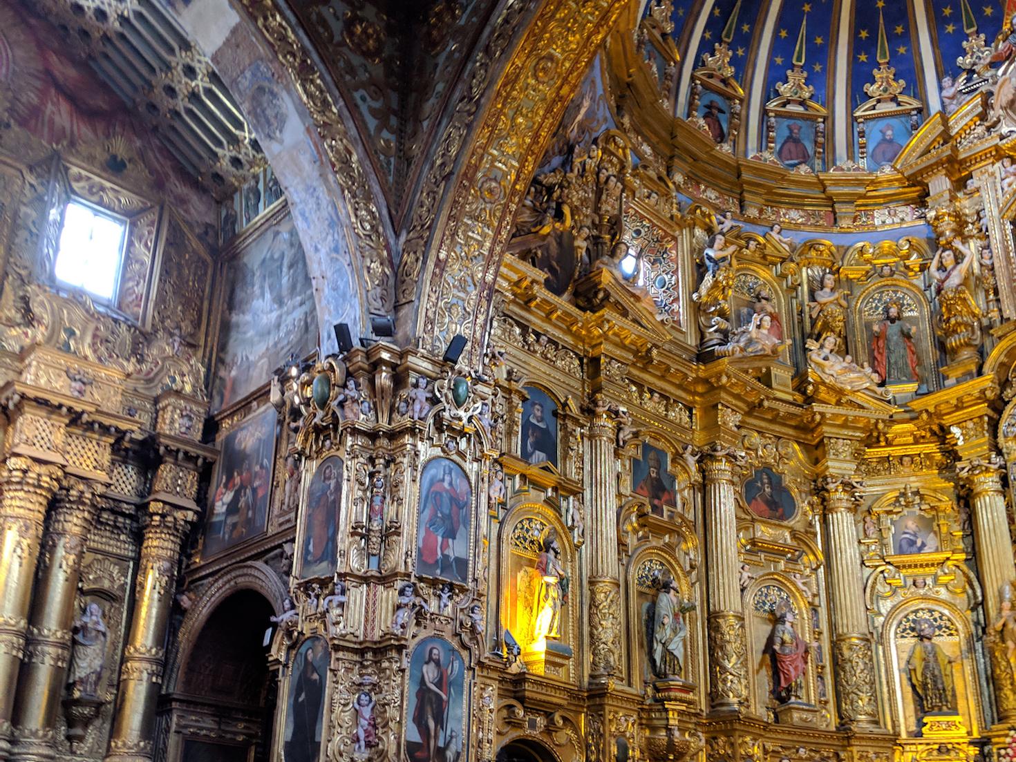 Interior of Iglesia de La Compañía de Jesús