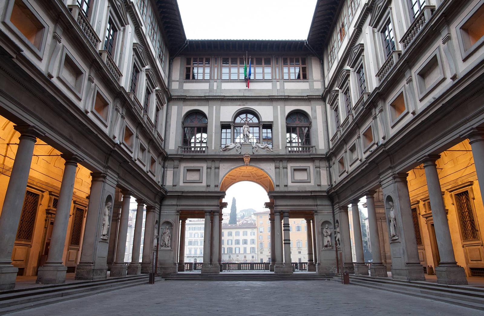Inside of Uffizi Gallery