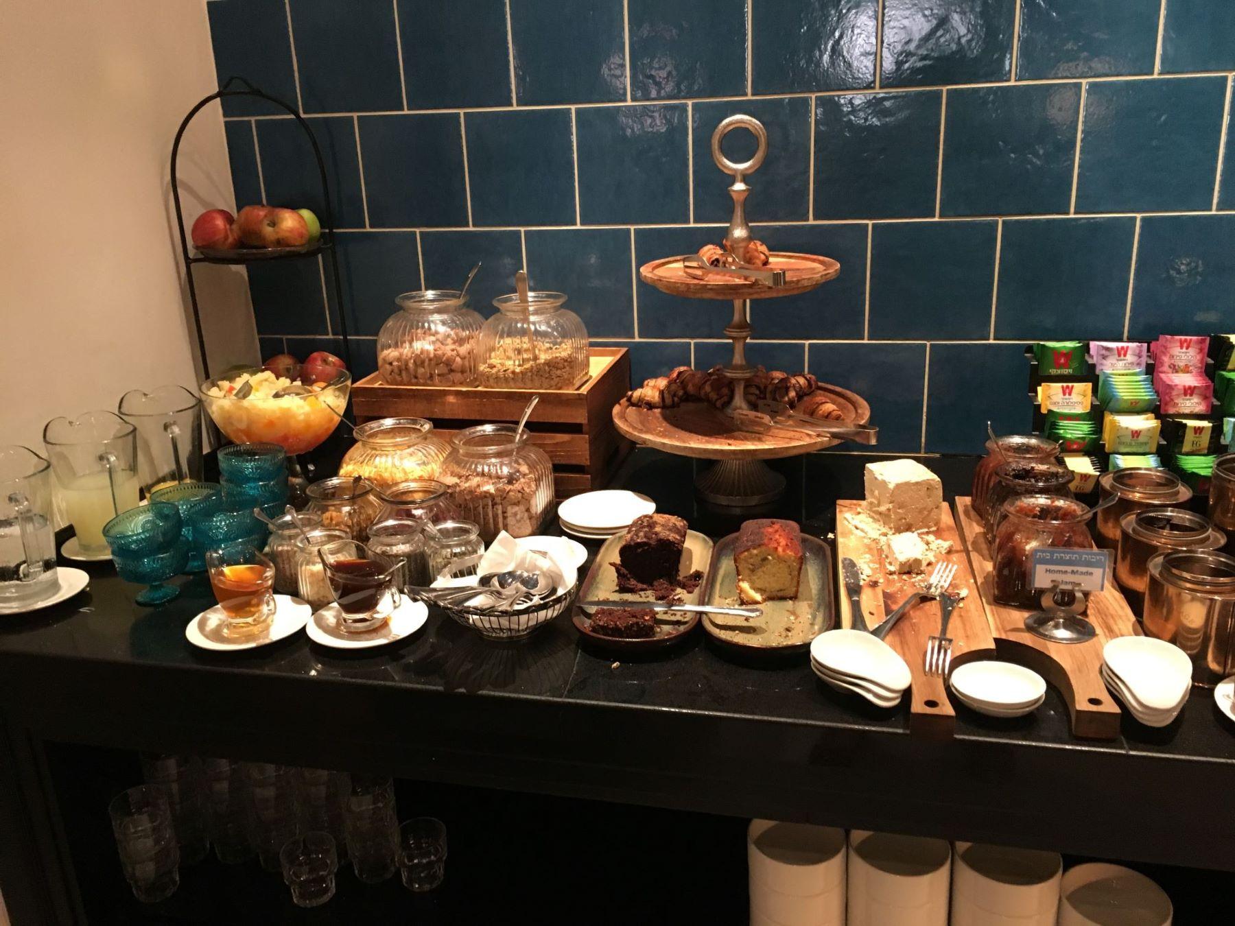 Hotel breakfast at Bay Club Hotel