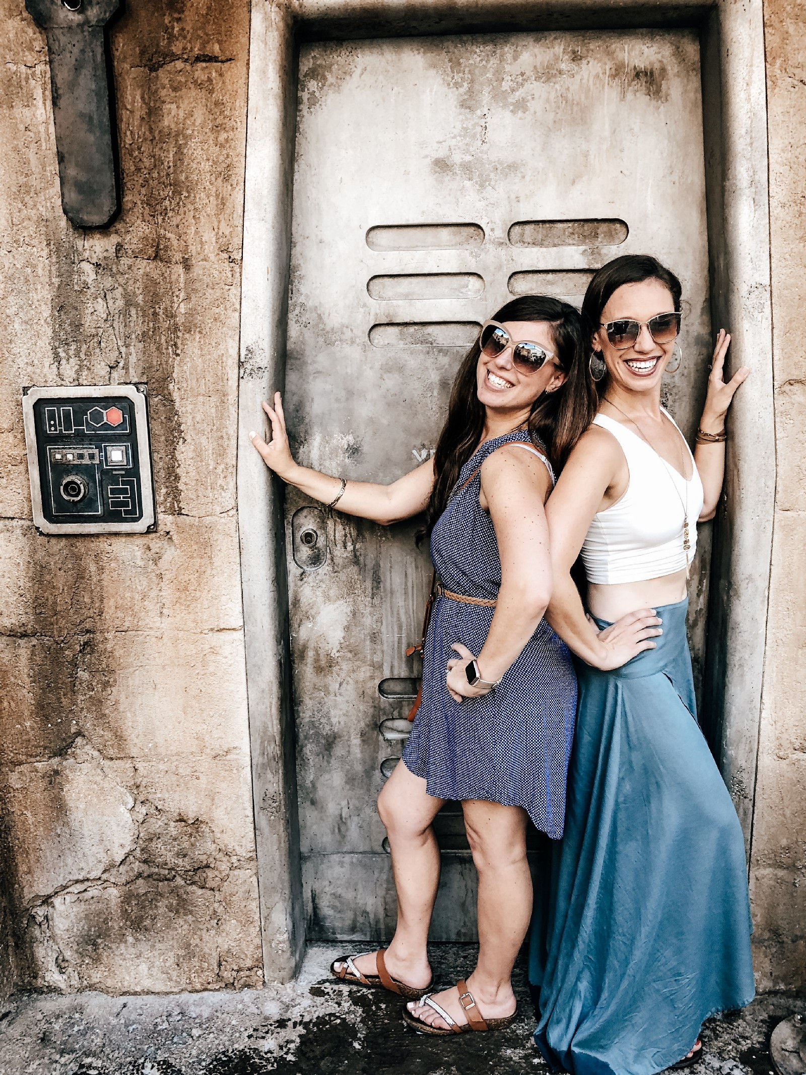 2 girls in doorway at Star Wars Galaxy's Edge
