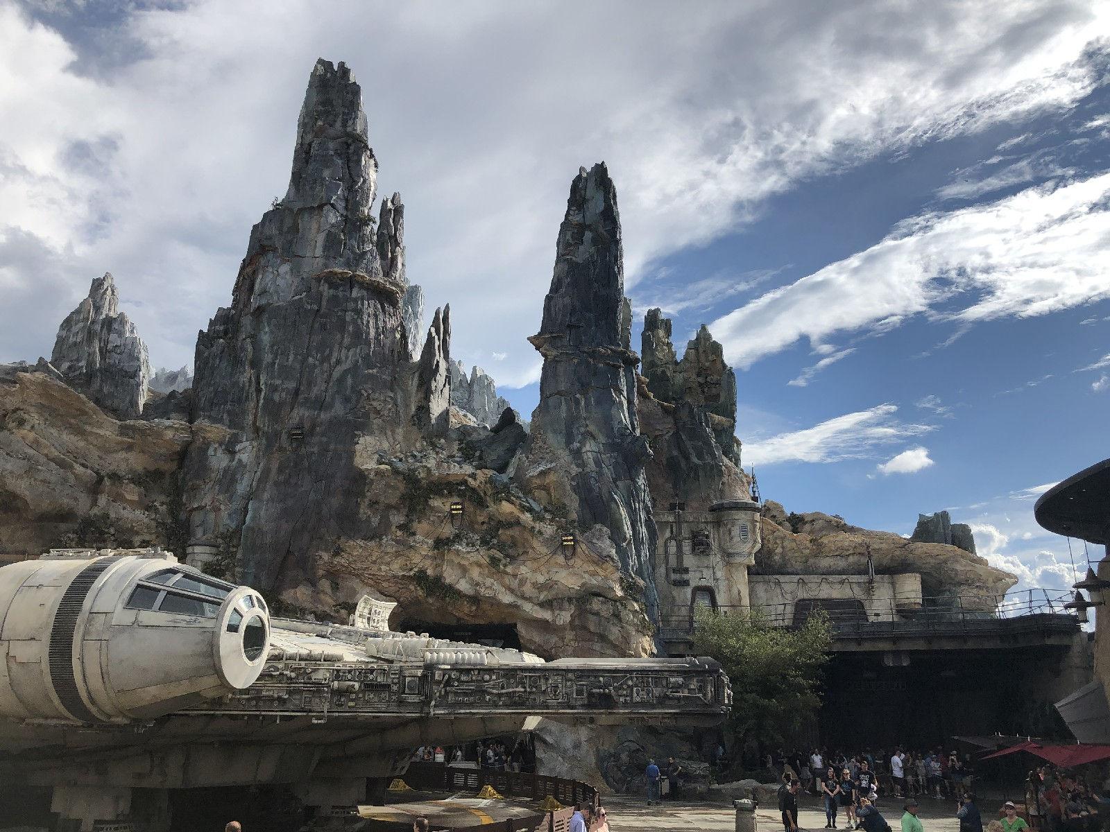 Visiting Star Wars Galaxy's Edge at Walt Disney World