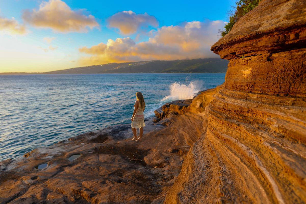 view of the sunset at China walls on oahu