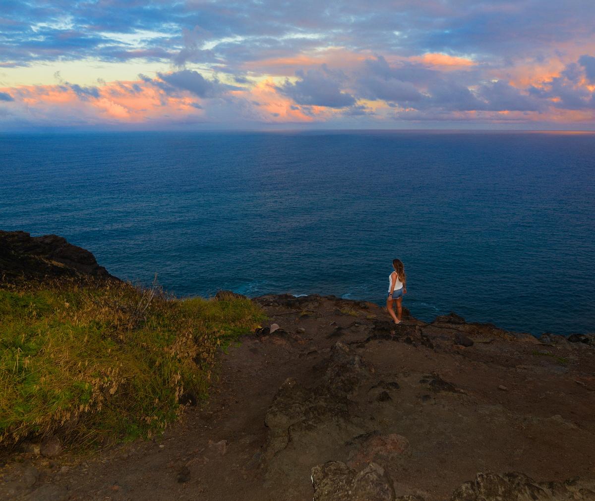 quang cảnh của những ngọn núi ở makapuu